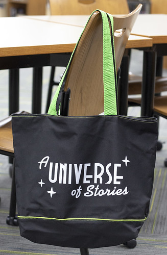 Adult 10-book prize: tote bag