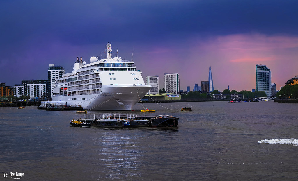 Cruise on the Thames