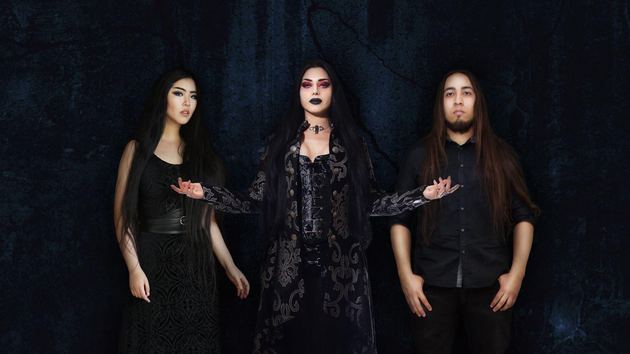 知名金屬肚皮舞孃 Mahafsoun 的首支樂團 Akheth 公布新單曲影音 Let Me Feel The Pain
