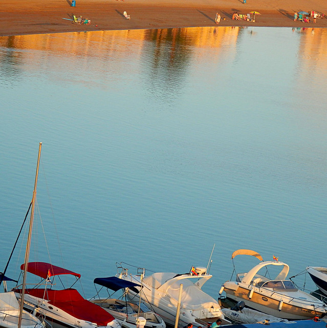 Reflejos,playa y barcos - Reflections, beach and boats