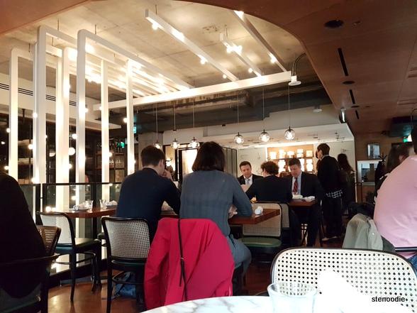 Sud Forno 'Da Geppetto' dining room