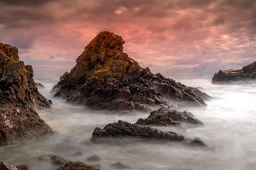 aberdeenshire scotland crudenbay winnyfold landscape longexposure water sea ocean sunset sunrise sky cloud red canon canon5d eos