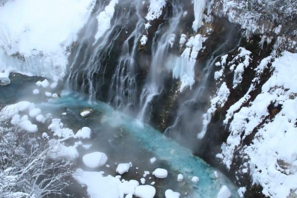 白ひげの滝in冬の美瑛