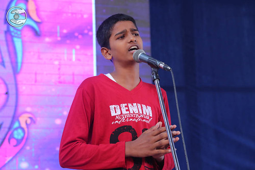 Devotional song by Sumit Dass from Virat Nagar