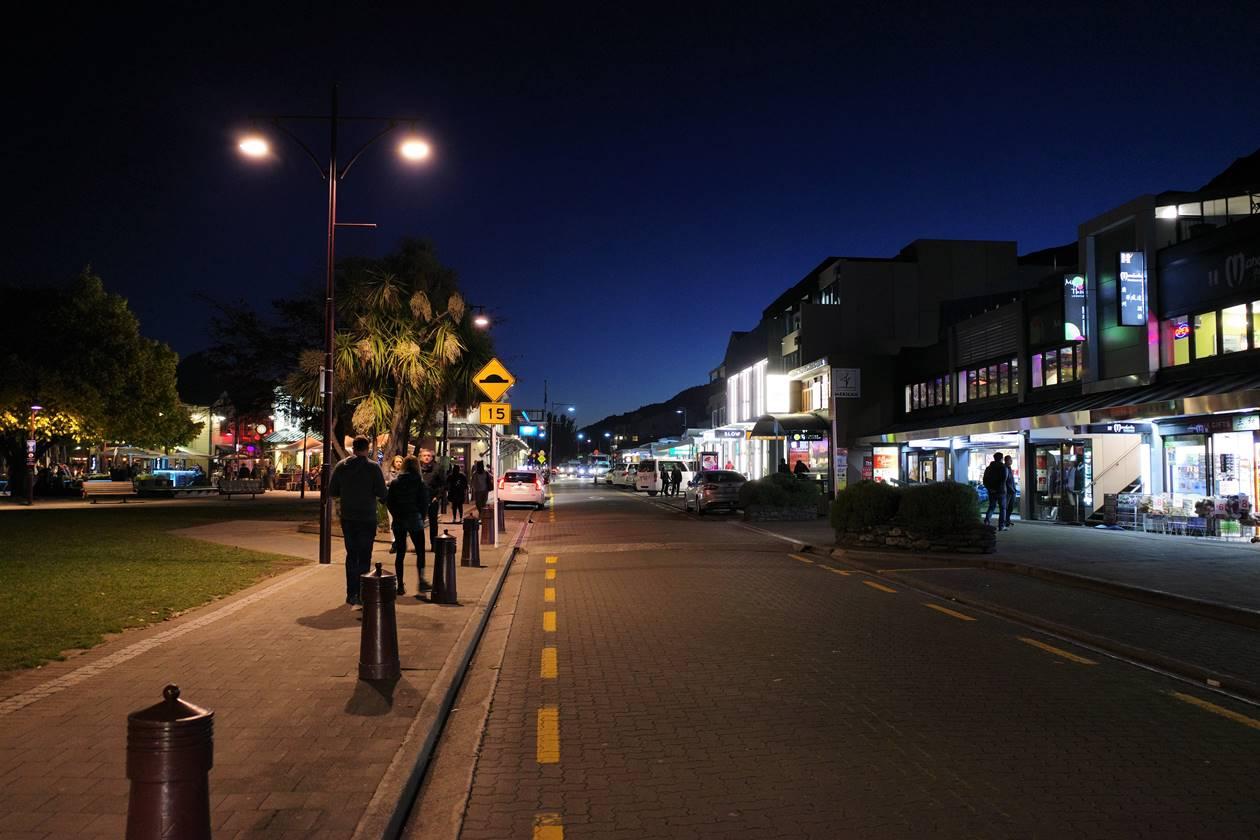 夜のクイーンズタウン