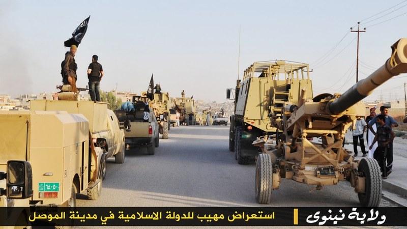 155mm-M198-isis-parade-mosul-iraq-2014-lwj-1