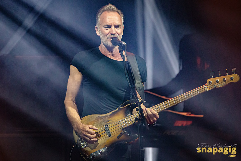 Sting and Shaggy-7