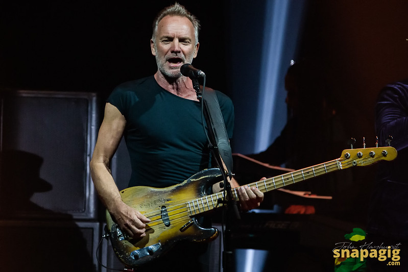 Sting and Shaggy-8