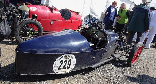 Quatre Morgan Three Wheelers parmi bien d'autres VRM 2019 47966777926_36343f0b79