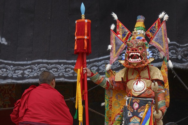 Ceremony at Litang Gön, Tibet 2018