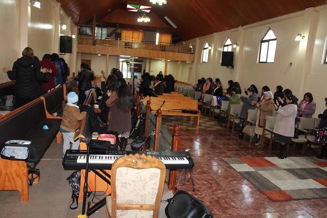 """""""Dios es fiel"""" Clase de Dorcas  en Lirquén junto a pastoras del Sector 15"""