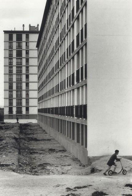 Willy Ronis & les HBM Habitations á loyer modéré, Porte de Vanves, 1957