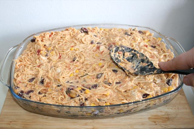 25 - Nudeln glatt streichen /Flatten noodles