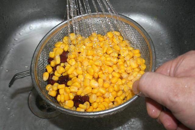 06 - Kidneybohnen & Mais abtropfen lassen / Drain kidney beans & corn
