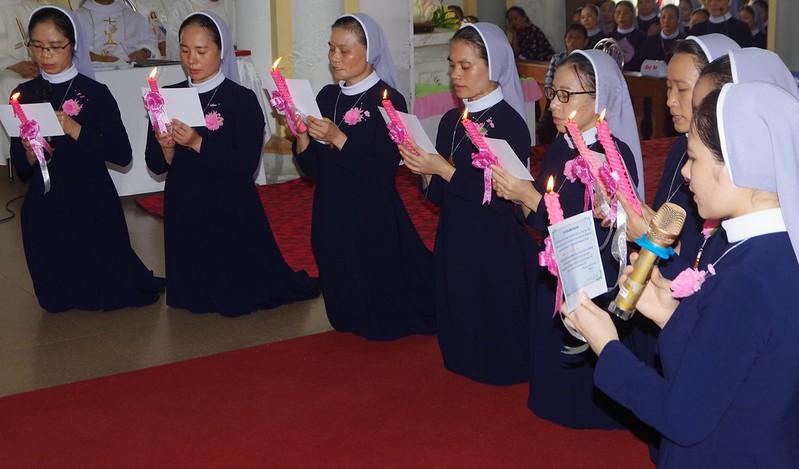 Khấn Dòng Thừa Sai Bác Ái Vinh 2019 (33)