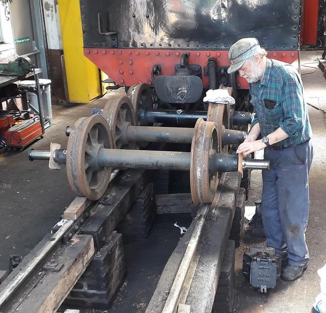 Preparing Axlebox Oil Seals