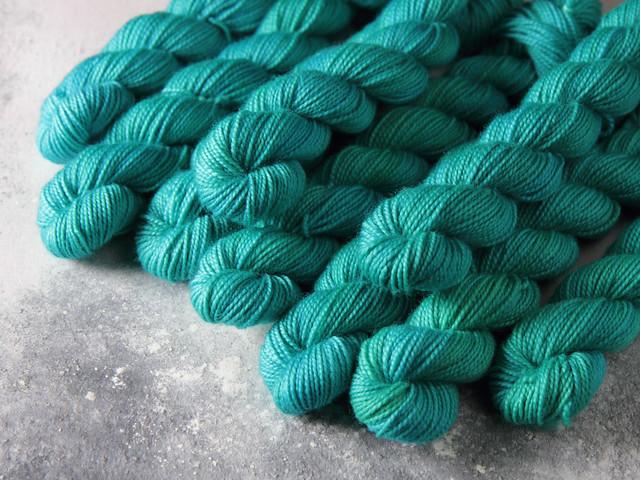 Favourite Sock Minis – pure Merino wool superwash 4 ply / fingering hand dyed yarn 20g miniskeins – 'Aquaphobia'