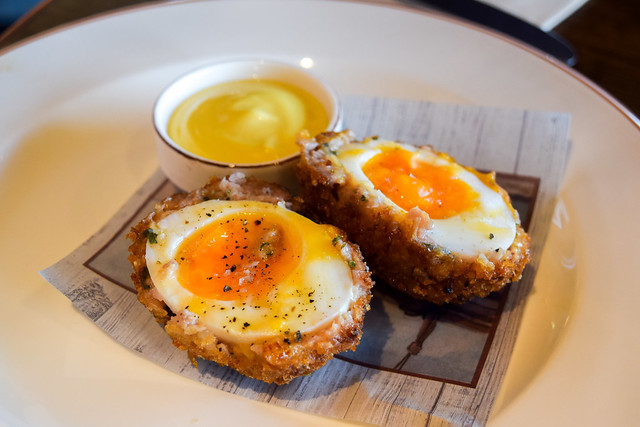 Scotch Egg at The Mariners, Rock