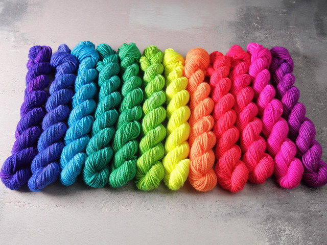 Favourite Sock Minis neon fade pack – 12 x 20g miniskeins pure Merino wool superwash 4 ply / fingering hand dyed yarn