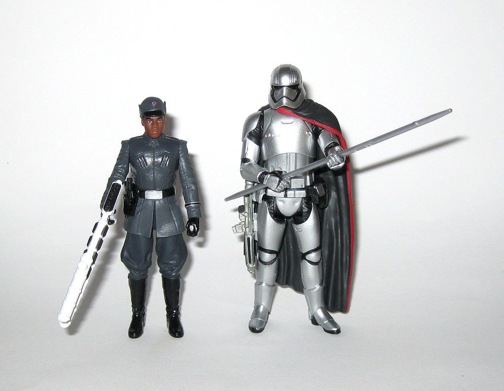 RARE STAR WARS THE LAST JEDI FINN FIRST ORDER DISGUISE /& CAPTAIN PHASMA FIGURES