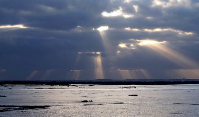 sunbeams at low tide