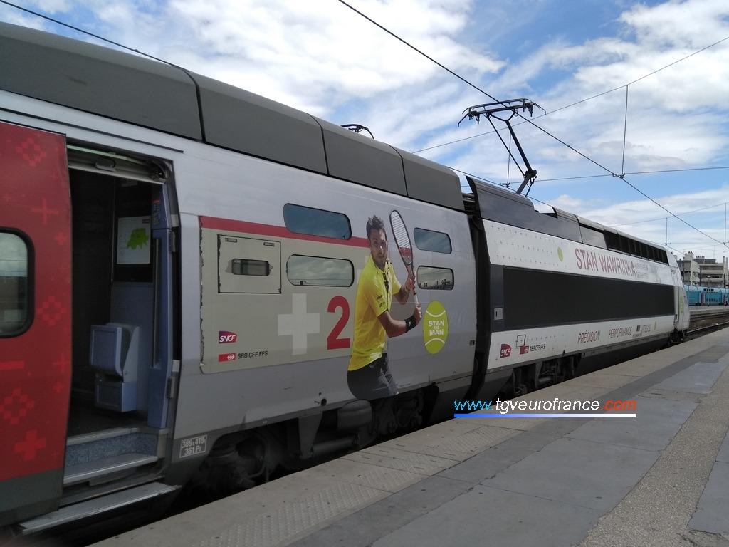 Le TGV Lyria 9750 (rame TGV POS 4407 Alstom) prêt à quitter la gare de Marseille Saint-Charles