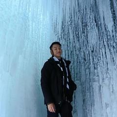 靚還靚,其實冰洞危機四伏,無數冰劍在頭頂上,麻煩硬一點別融化唷! 【浪遊旅人】http://bit.ly/1zmJ36B #bacpackerjim #ice #lake #icelake #baikal #khuzhir #irkutsk #Ирку́тск #siberia #russia #россия #北途三國貝加爾