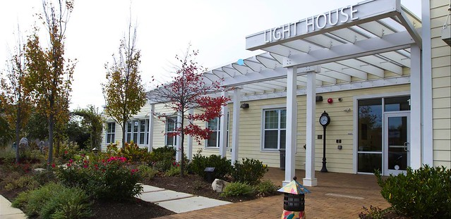 Image of front of Light House, Inc. office building