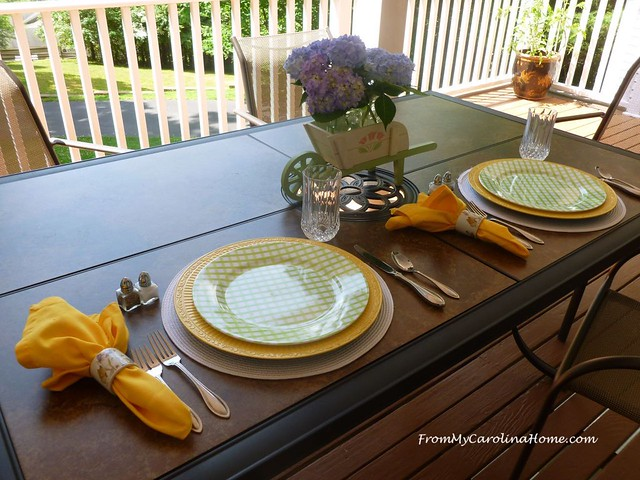 AlFresco Tablescape for 2 at FromMyCarolinaHome.com