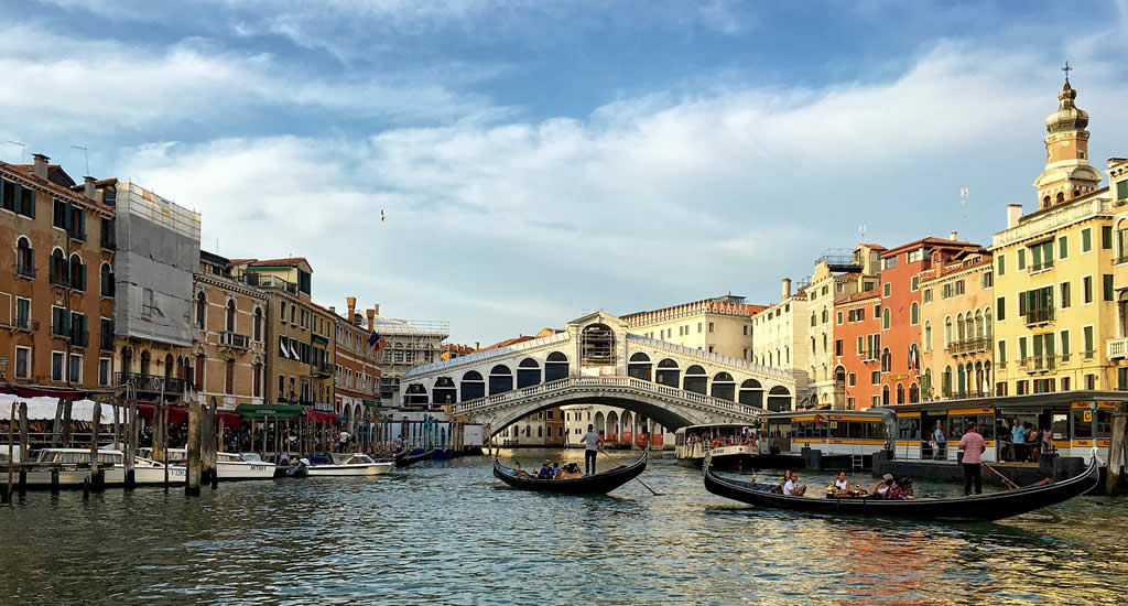 Venetië in één dag: Rialtobrug | Mooistestedentrips.nl
