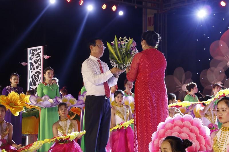 Van Hanh (72)