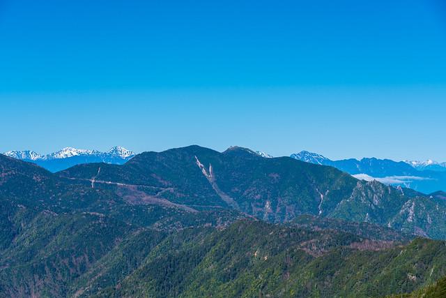 金峰山と背後の南アルプス@甲武信ヶ岳