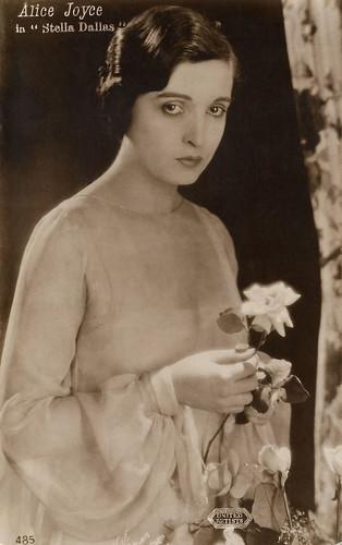 Alice Joyce in Stella Dallas (1925)