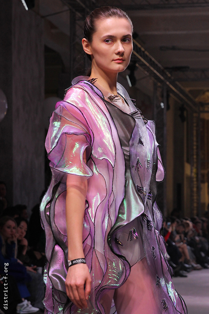 DISTRICT F — MBFW Russia, Futurum Moscow — HYPNOGRAPHIC AW19 восемь