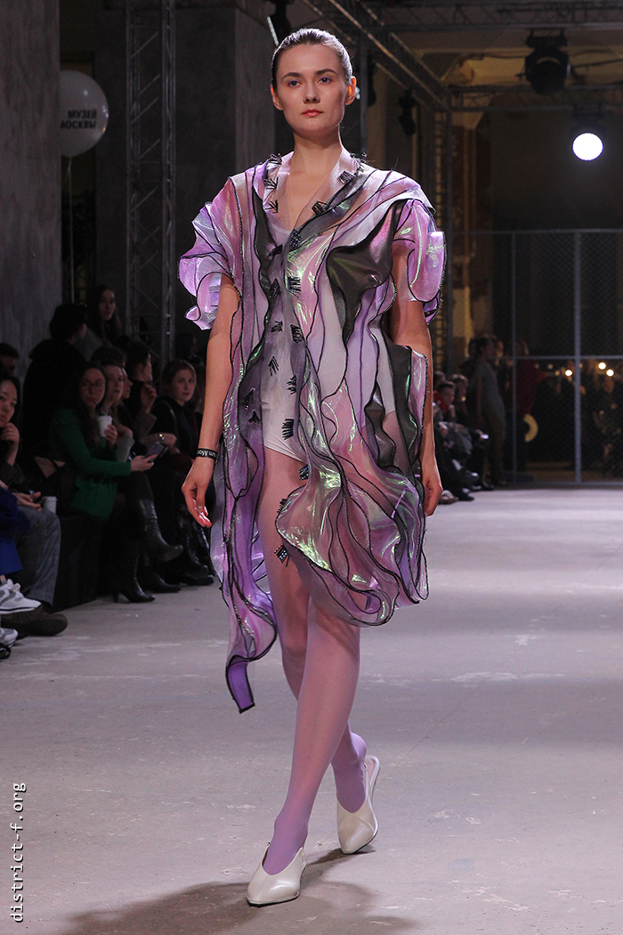 DISTRICT F — MBFW Russia, Futurum Moscow — HYPNOGRAPHIC AW19 семь