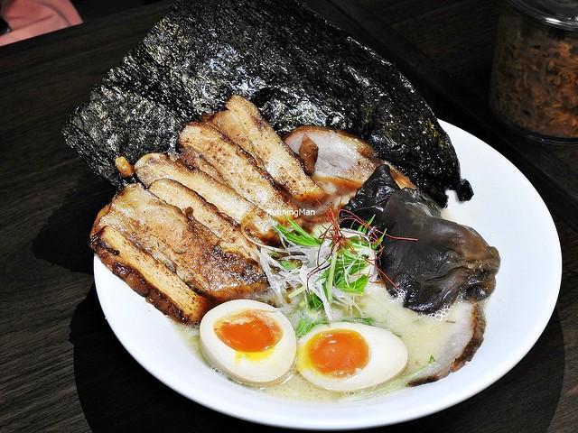 Original Tonkotsu Ramen With All Toppings & Side Dishes, Extra Aburi Chashu