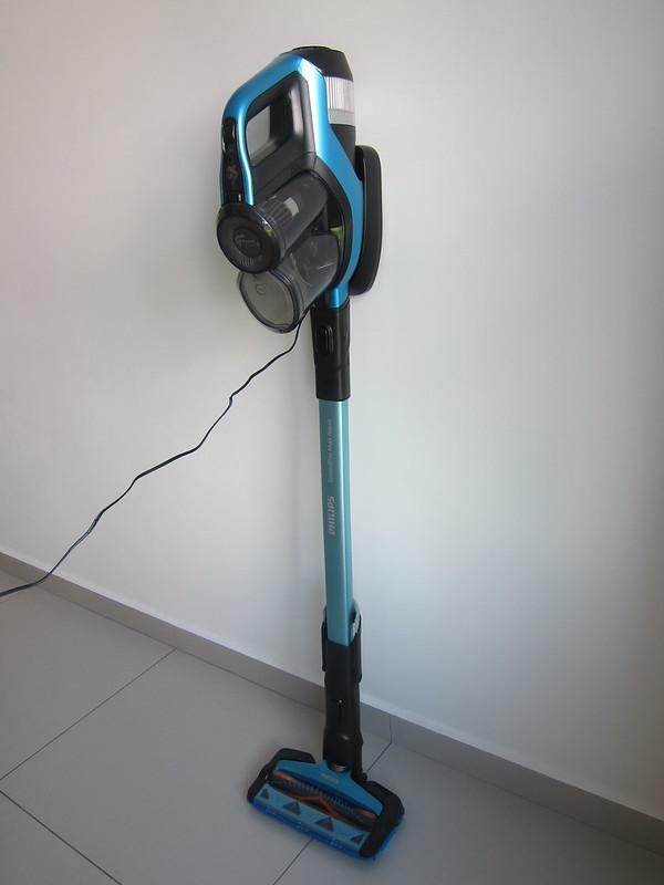 Philips SpeedPro Max Aqua - Charging Vertical
