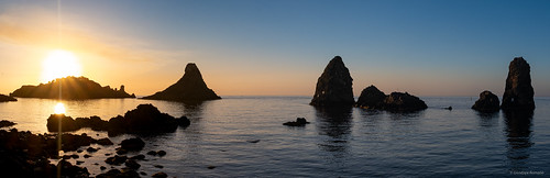 I Faraglioni e l'Isola Lachea
