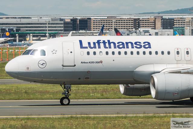 Lufthansa Airbus A320-214(WL) D-AIZX (895236)