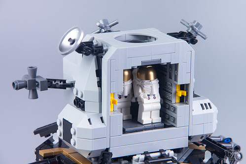 LEGO Creator Expert 10266 NASA Apollo 11 Lunar Lander Review-21 | by DoubleBrick.ru
