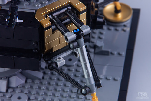 LEGO Creator Expert 10266 NASA Apollo 11 Lunar Lander Review-12 | by DoubleBrick.ru