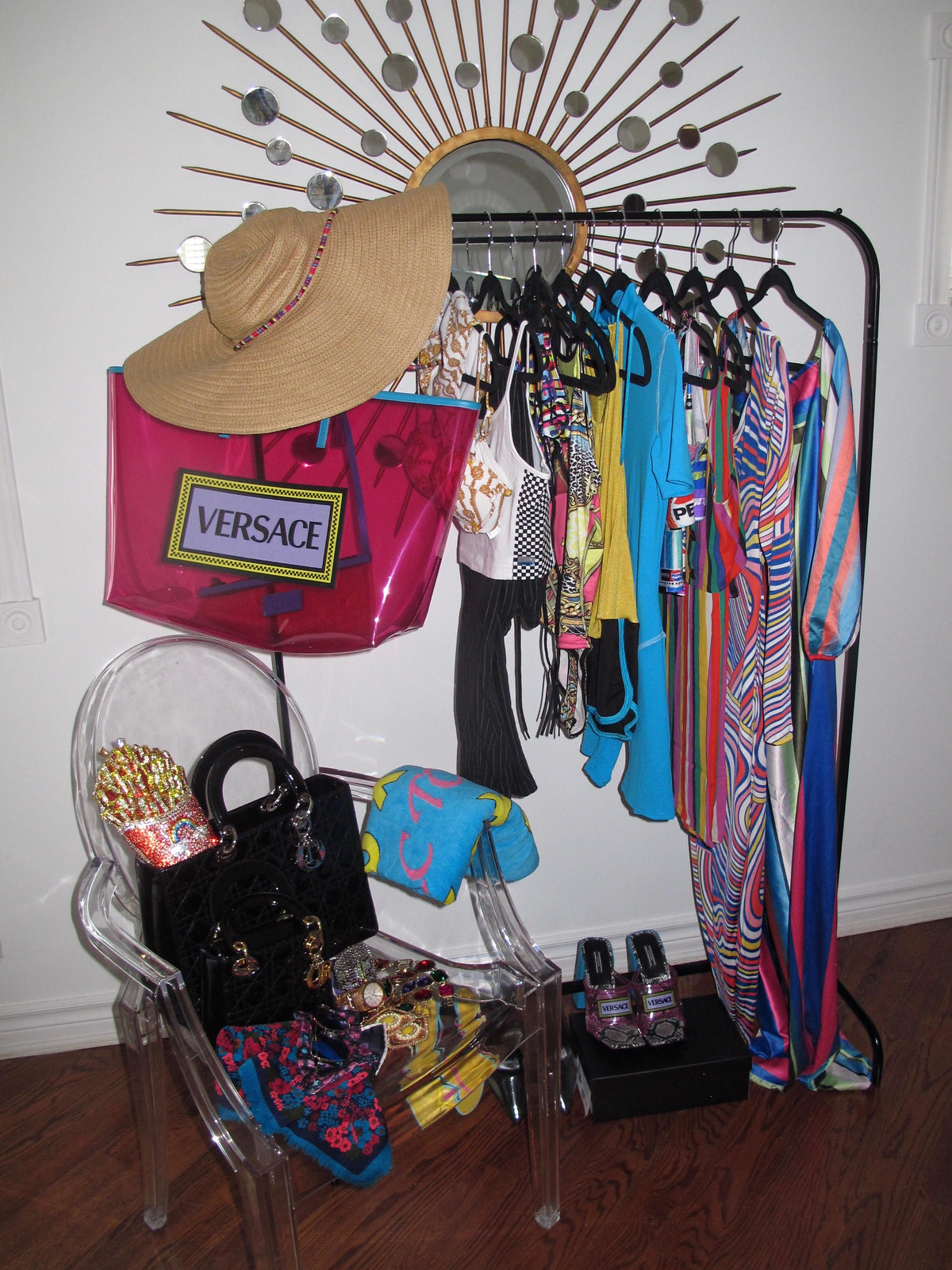 travel closet 1