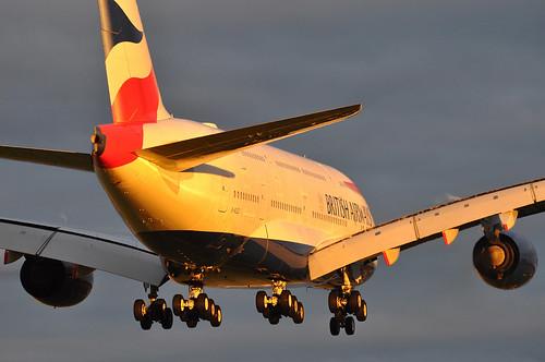 approach arrival landing finals shortfinals threshold sunrise daybreak dawn airbus a380 800 800igw msn0124 gxlec internationalconsolidatedairlinesgroupsa iag britishairways baw ba ba0056 jnblhr runway27r 27r london heathrow egll lhr