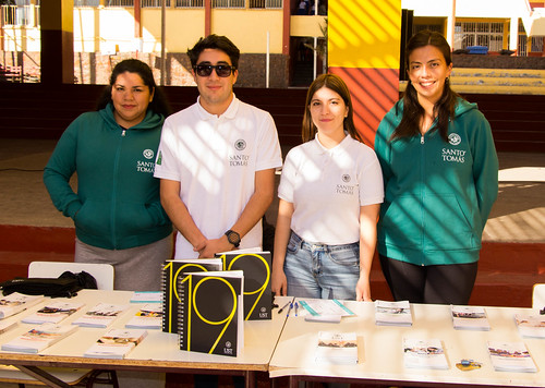 Visita de la Universidad Santo Tomás y Ensayos PSU con Cuartos Medios