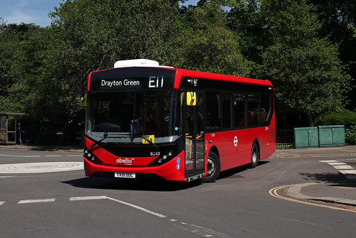 Route E11, Abellio London, 8243, YX19OOC