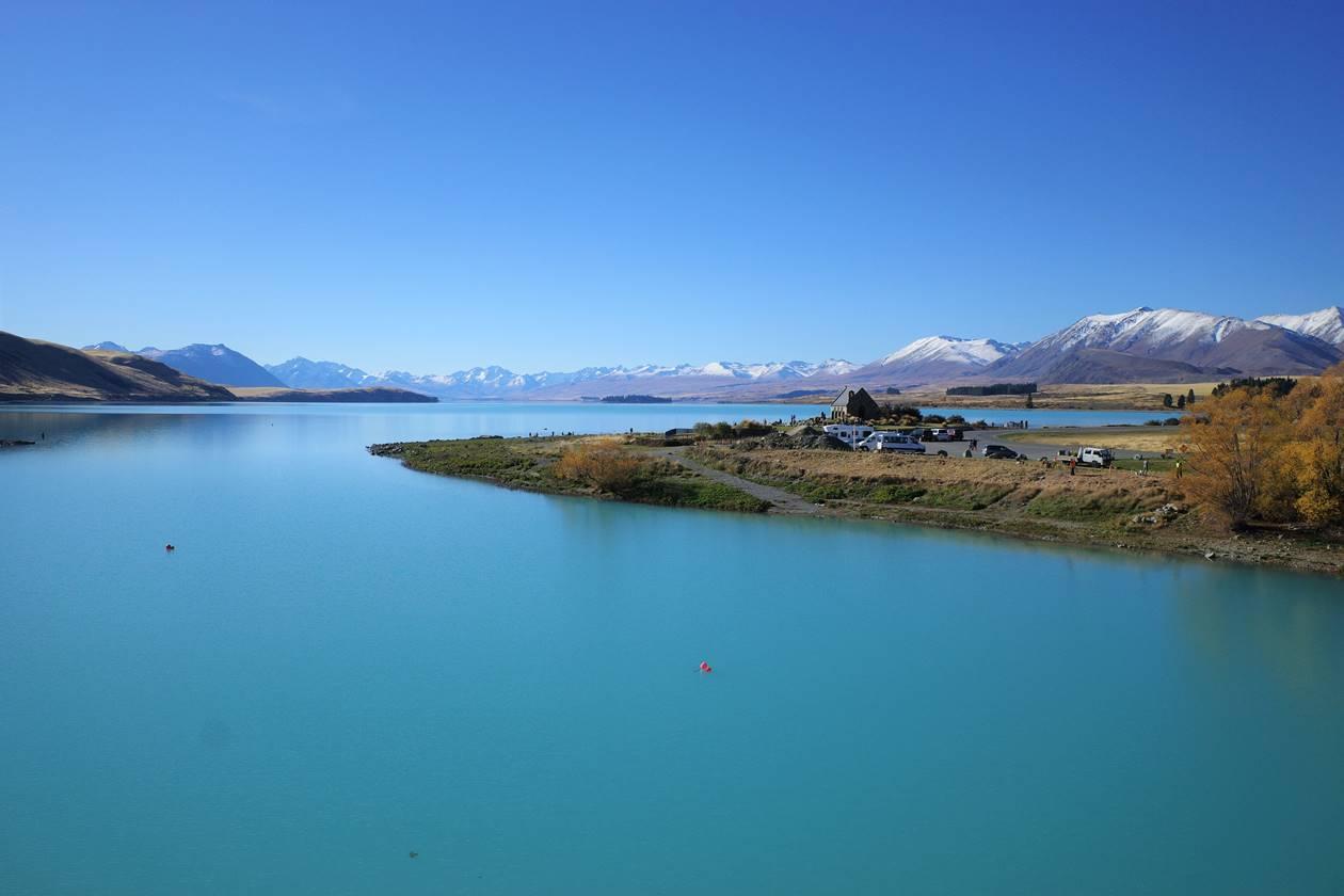 ニュージーランド 快晴のテカポ湖