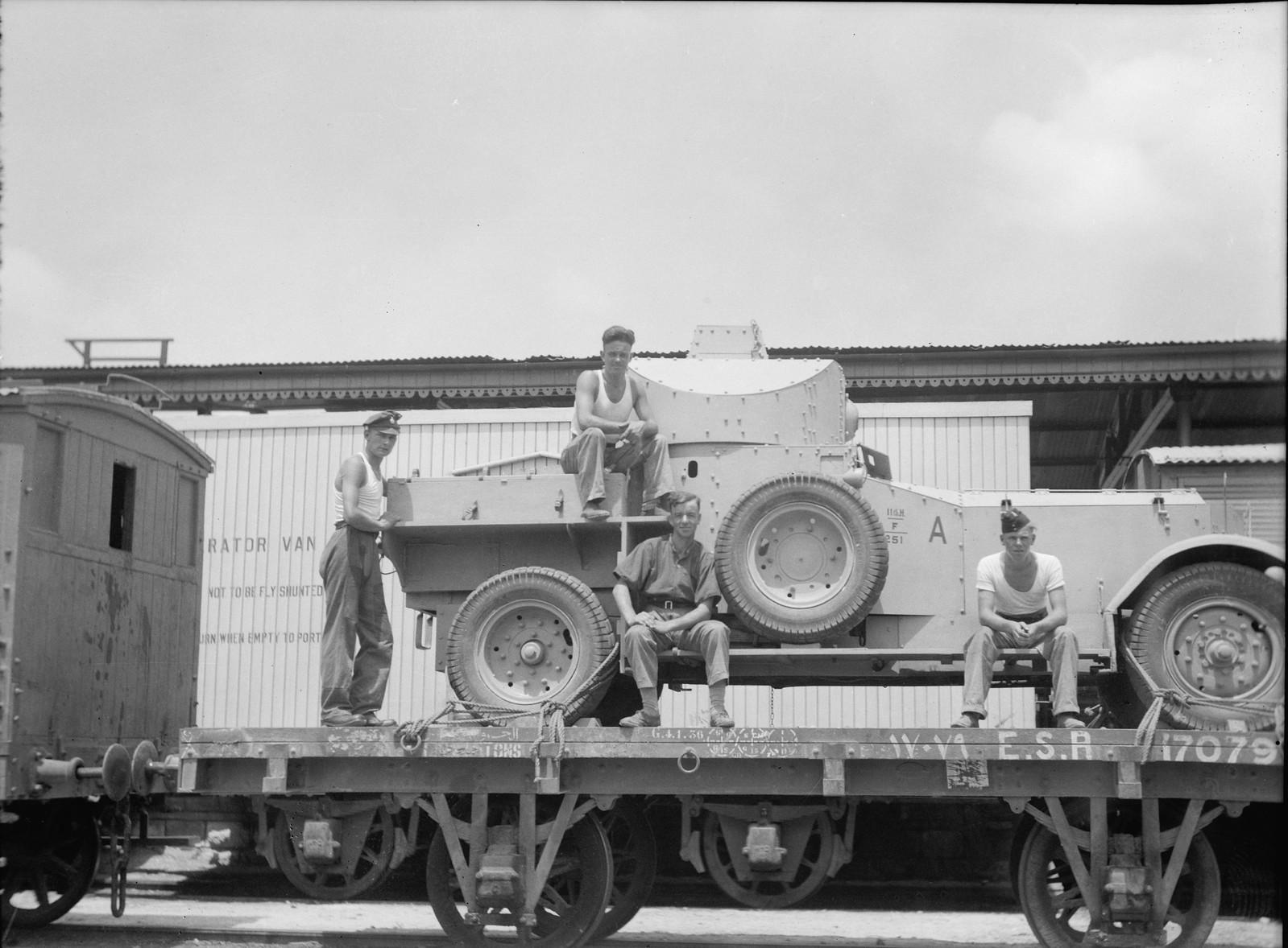 Броневики доставляются в Палестину по железной дороге