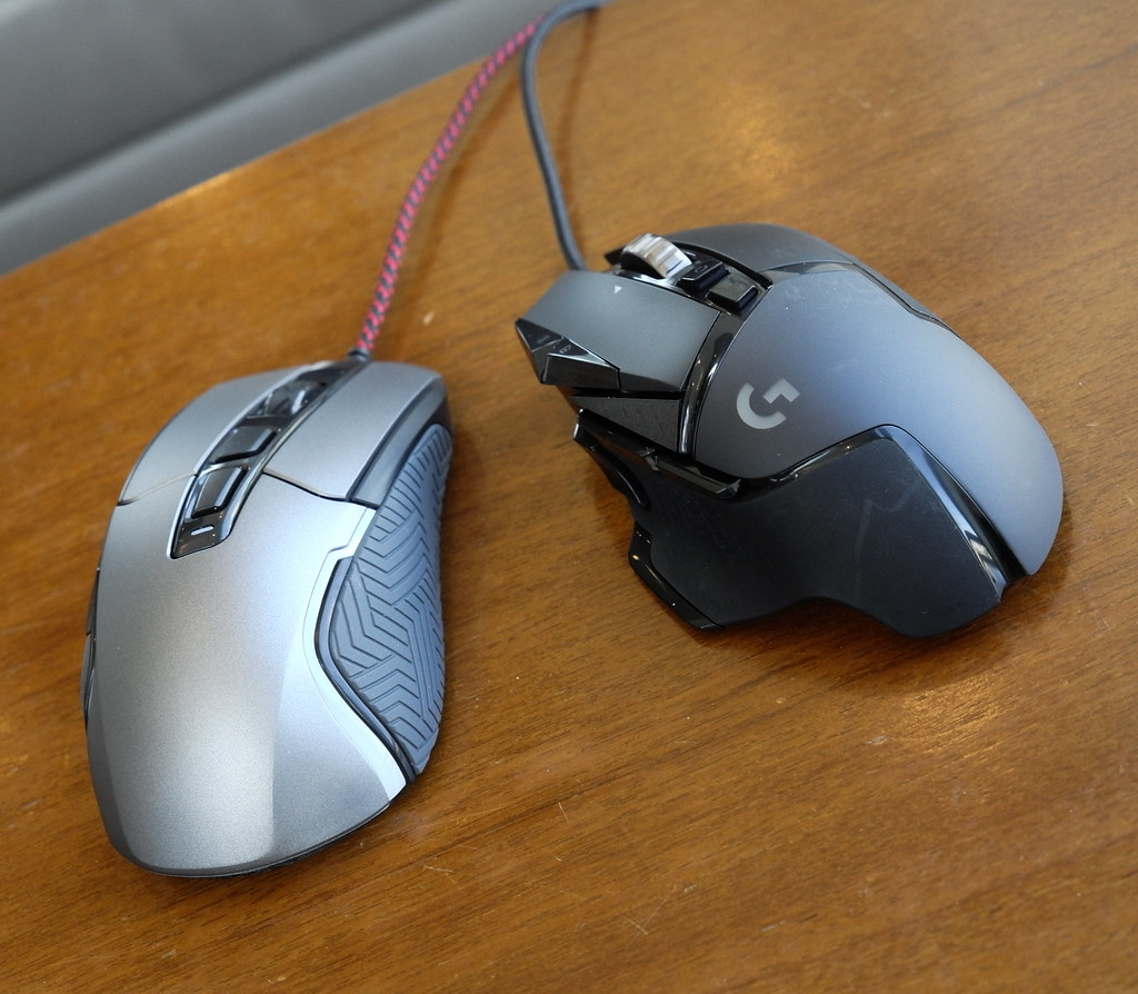 Logitech vs Monstar Gaming Mouse
