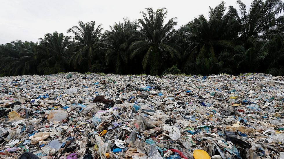 位於馬拉西亞仁嘉隆的非法回收工廠。(圖片來源:Lai Seng Sin/Reuters)