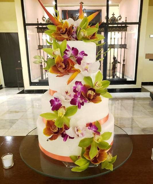 Cake by Khanic Cakes